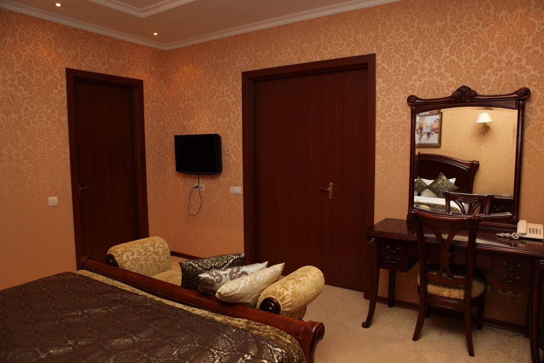 Киев, гостиничный комплекс - №1